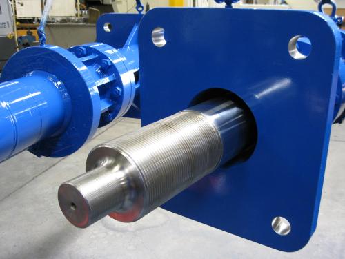 Custom-Specials-large-hydraulic-cylinders