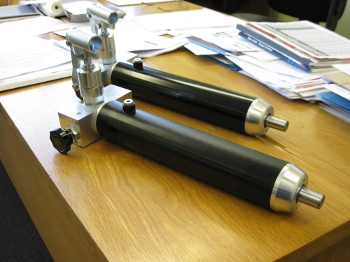 special-hand-pump-cylinders-with-reservoir