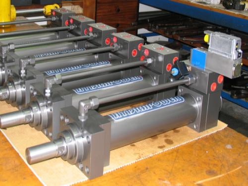 batch-of-pitch-actuator-servo-cylinders