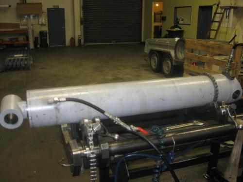 service-testing-cylinder