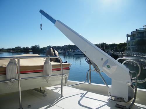 Yacht-davits